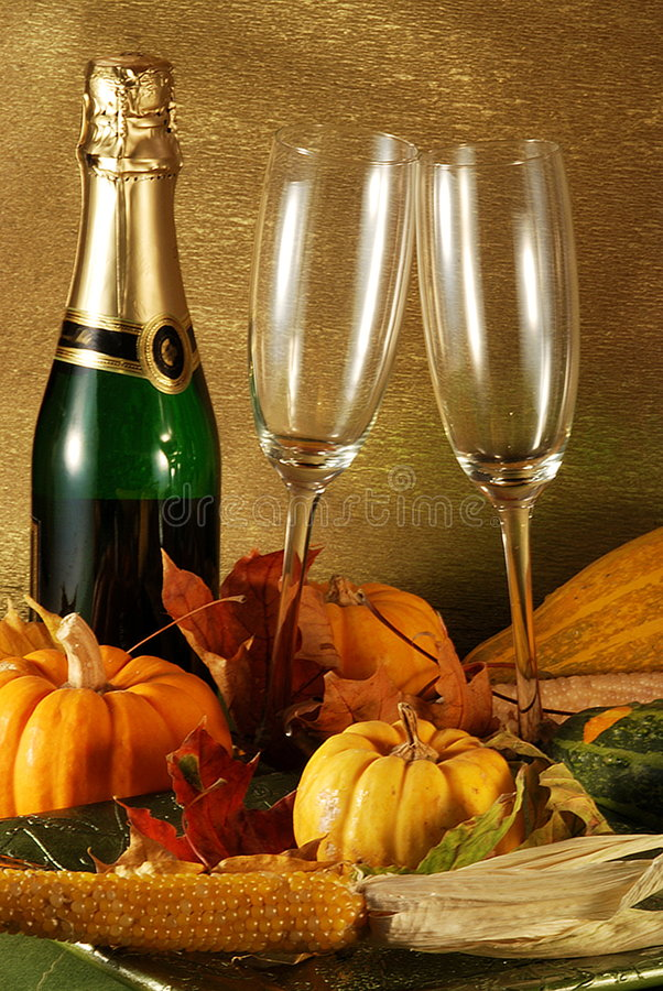 Download Autumn Table Setting Royalty Free Stock Image - Image: 3517426