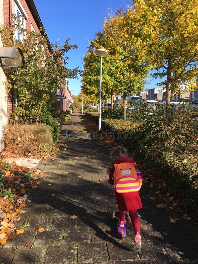 Autumn Time De nouveau à l'école image libre de droits