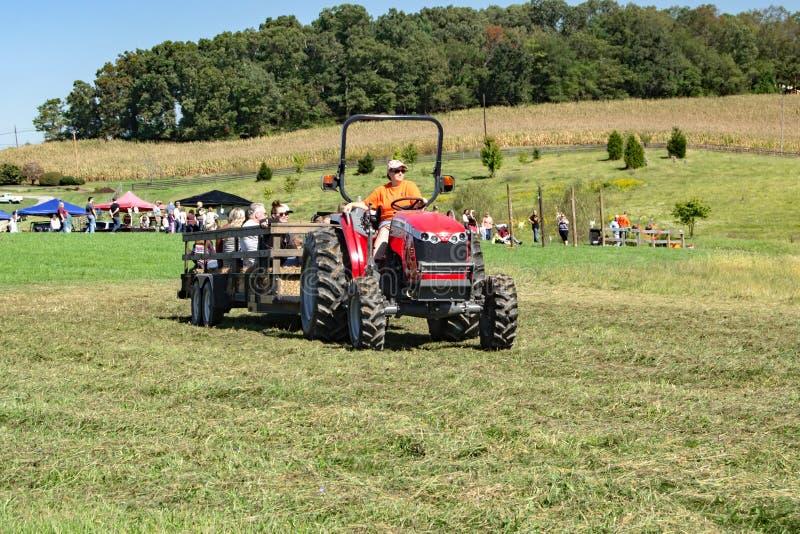 Autumn Tractor Hayride photographie stock