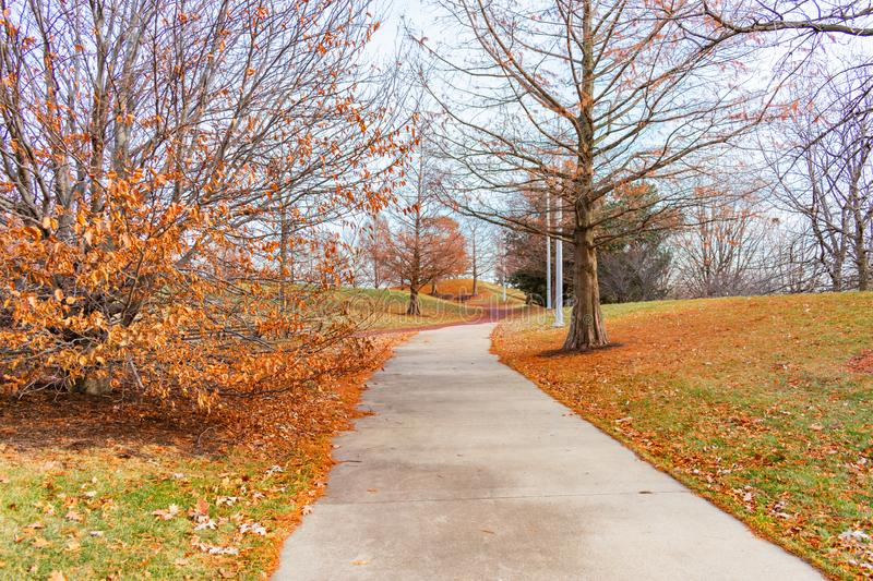 Autumn Trail vicino al soldato Field e Burnham Harbor in Chicago fotografia stock