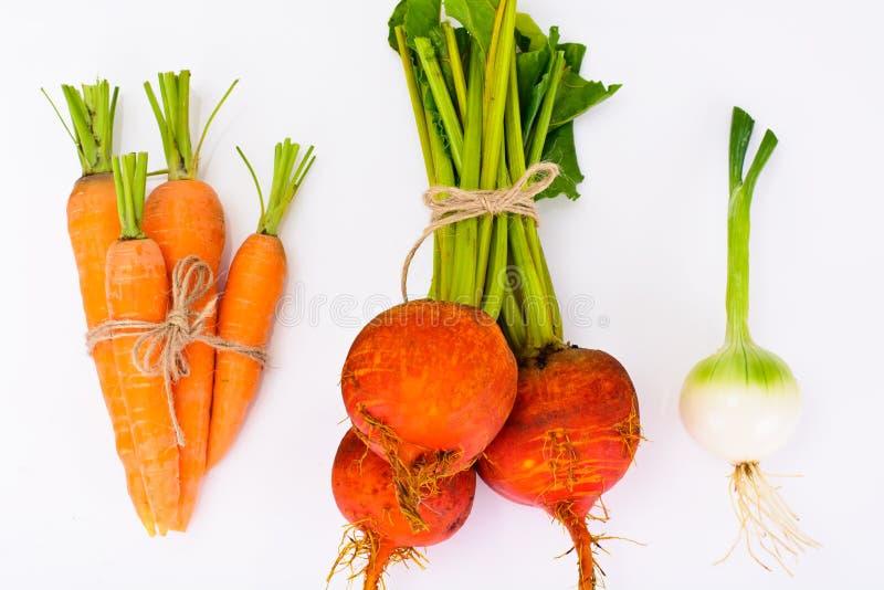 Autumn Vegetables Beets, Zwiebeln und Karotten lizenzfreie stockbilder