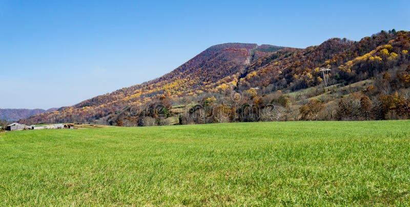 Autumn View av Catawbaberg - 3 royaltyfri fotografi