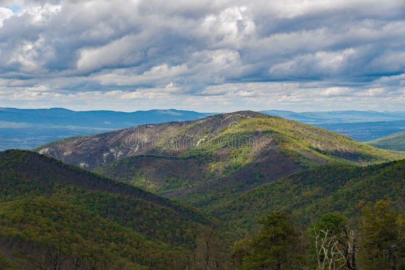 Autumn View da un funzionamento di due miglia trascura fotografie stock libere da diritti