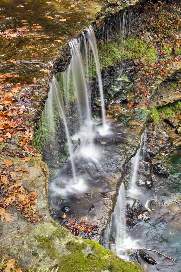 Autumn Waterfall på Oglebay royaltyfri fotografi