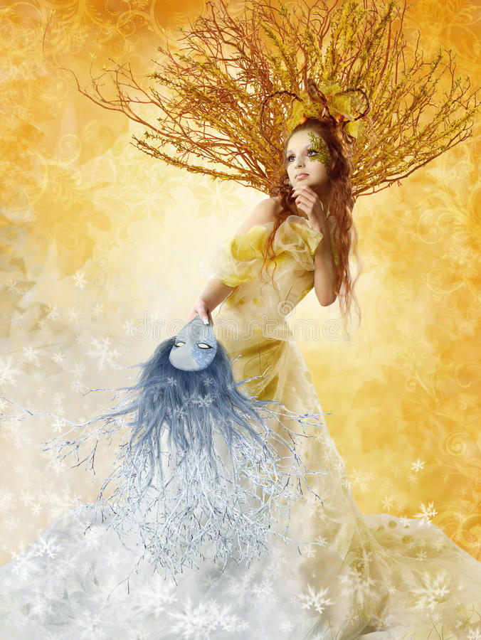 Autumn Woman Winter Mask, concepto de las estaciones, arte de la belleza de la moda fotos de archivo