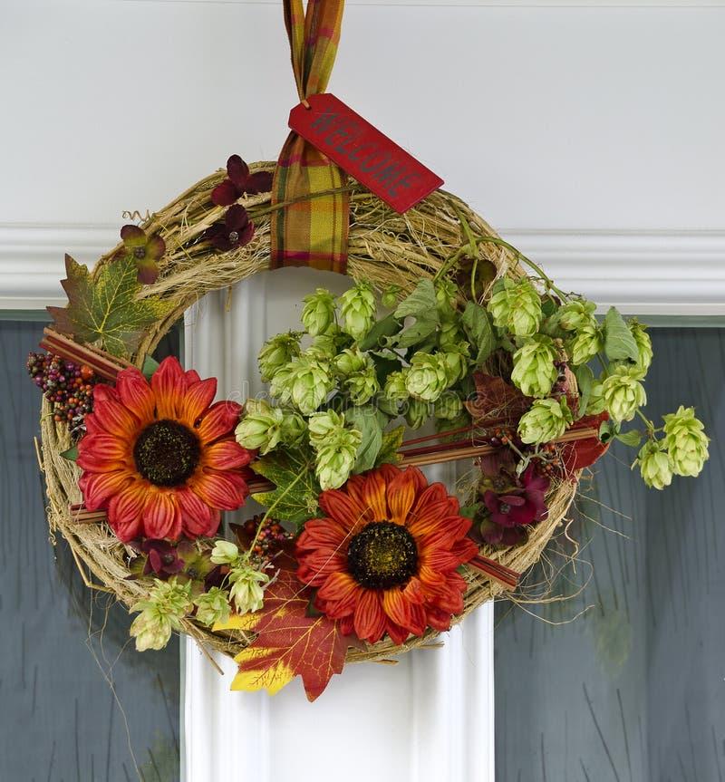 Autumnally drzwi dekoracja zdjęcia royalty free