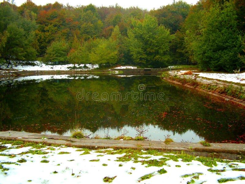 Autunno - tocco di inverno fotografia stock libera da diritti