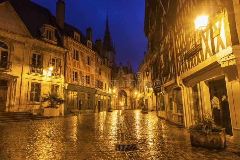 Auxerre klockatorn royaltyfri fotografi