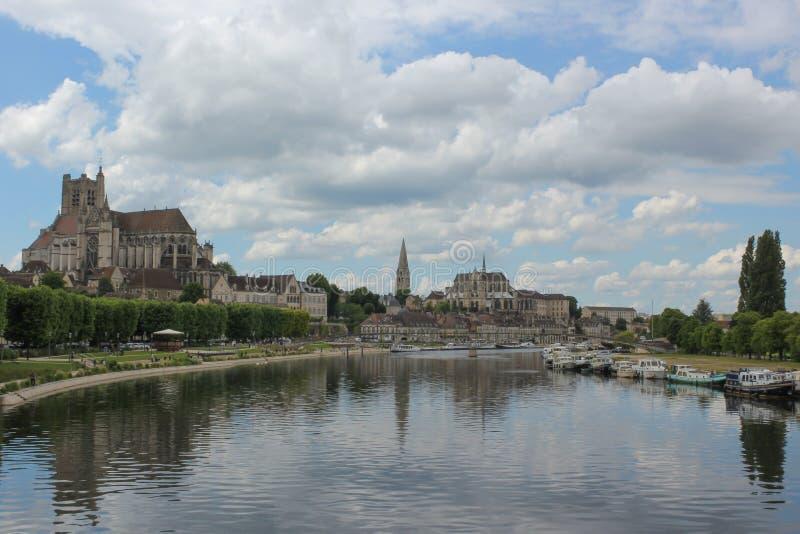Auxerre-Panorama lizenzfreies stockfoto