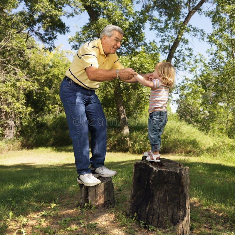 Avô e menina fotos de stock royalty free