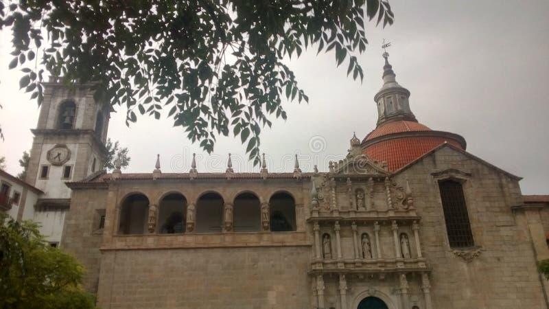 By av Amarante i Portugal royaltyfri fotografi