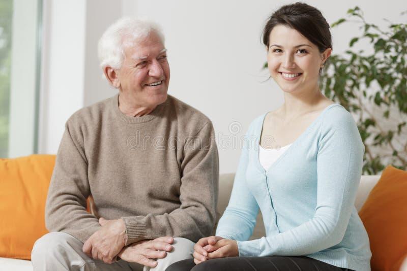 Avô com sua neta imagens de stock royalty free