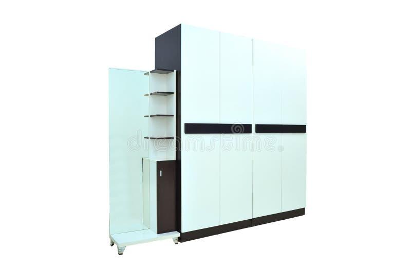 Av den wood garderoben på vit bakgrund för objektrum för modernt möblemang isoleras den bosatta inre lagringen för designen arkivfoto