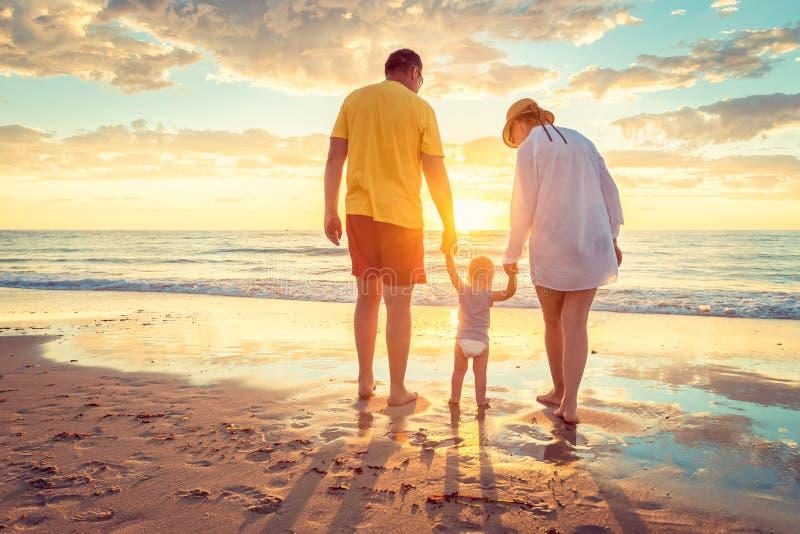 Avô e avó com neto imagens de stock royalty free