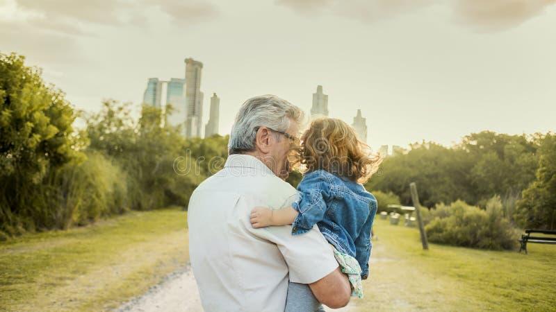 Avô e criança imagem de stock royalty free