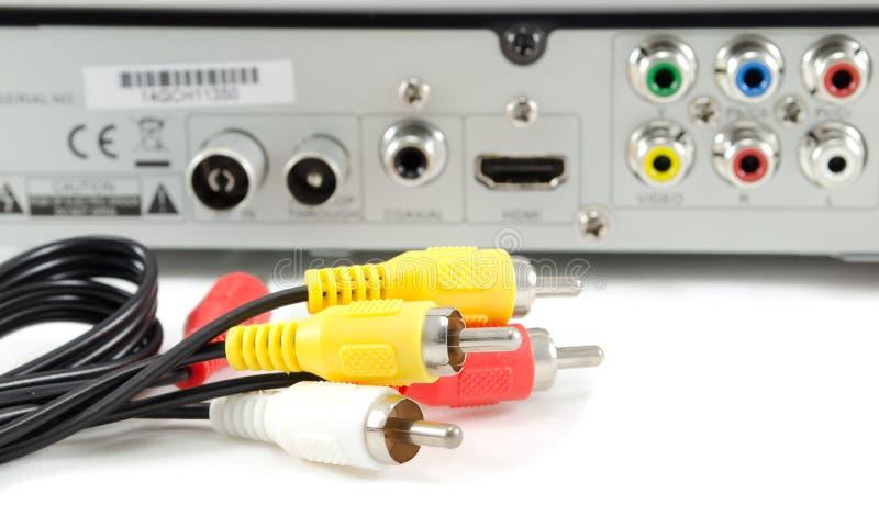 AV kabel och videobandspelare arkivbilder