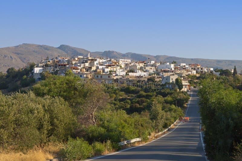 By av Lithines på den Crete ön i Grekland royaltyfri bild
