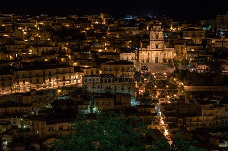 By av Modica i s?derna av Sicilien, Italien royaltyfria bilder