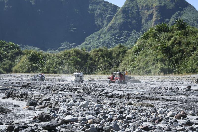 Av vägen som kör mt-pinatuboen philippines royaltyfri foto