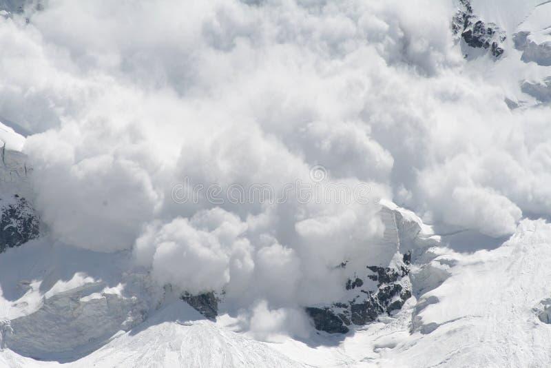 Avalancha de la nieve foto de archivo libre de regalías