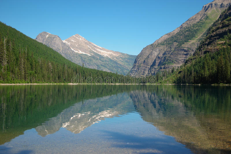 Download Avalanche湖 库存图片. 图片 包括有 反映, 视图, 辅助, 森林, 蒙大拿, 公园, 结构树 - 59105253