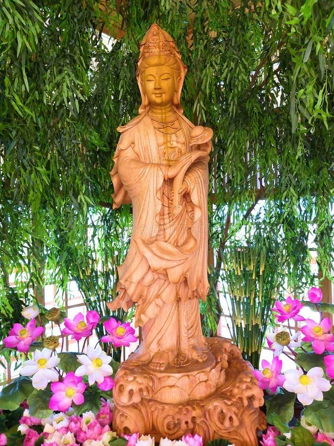 Avalokitasvara De pagode van Guanyinboedha Guanyin wordt gemaakt van hinokihout stock foto's