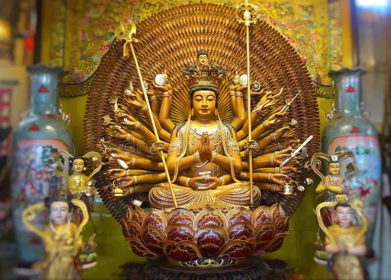 Avalokitasvara Guanyin Buddha pagoda jest tysiąc rękami guan ying zdjęcia stock