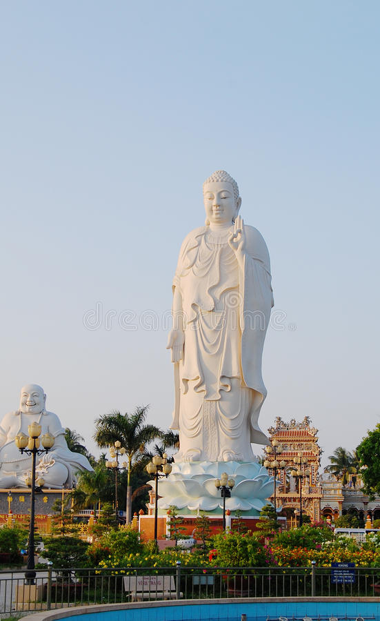 Avalokiteshvara Bodhisattva statua przy świątynią w Phan Thiet, Wietnam zdjęcie royalty free