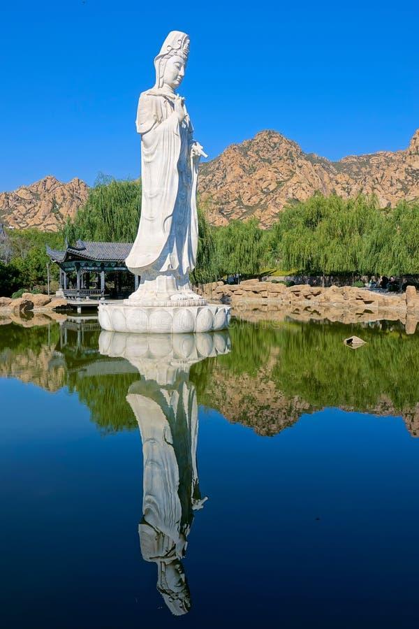 Avalokitesvara staty arkivfoto