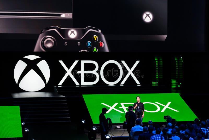 Avance d'équipe de Phil Spencer Xbox à l'information du media e3 image stock