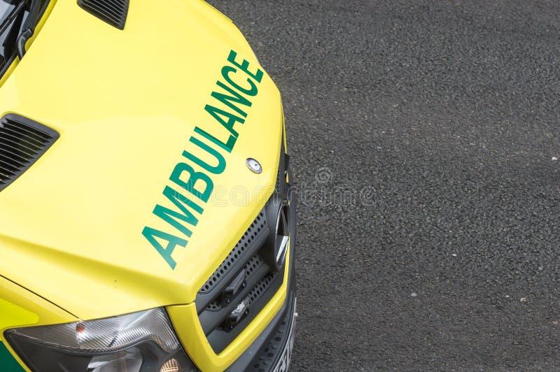 Avant d'ambulance de service des urgences avec l'espace de copie image libre de droits
