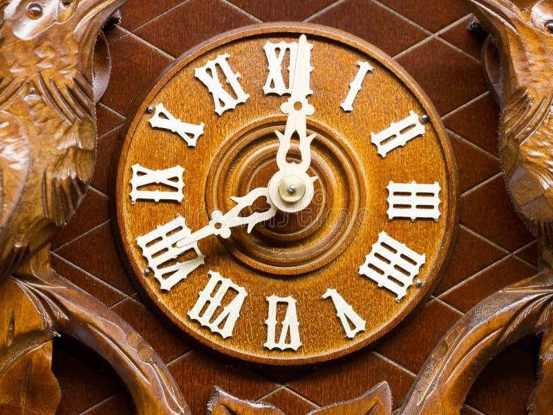 Avant d'une horloge de vintage faite par le bois photo libre de droits
