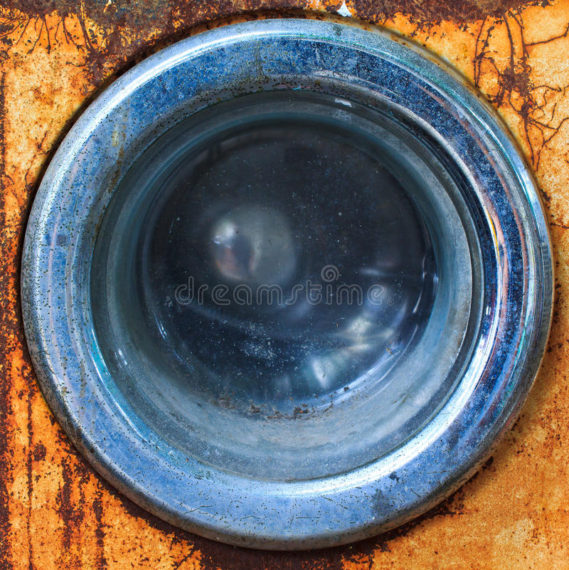 Avant d'une vieille machine à laver photos stock