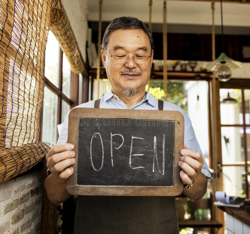 Avant de vente au détail d'avis d'accueil de vente au détail d'atelier ouvert de café images stock