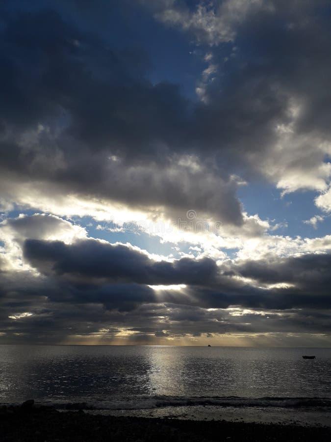 Avant le coucher du soleil en Guadeloupe image libre de droits