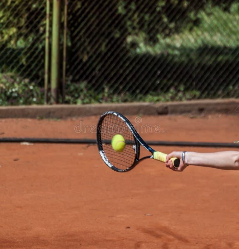 Avant-main de tennis images stock