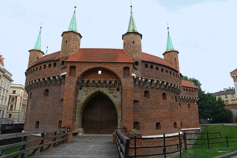 Avant-poste médiéval de barbacane de Cracovie, Pologne photographie stock