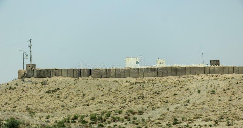Avant-poste militaire de l'Afghanistan au milieu du désert image libre de droits
