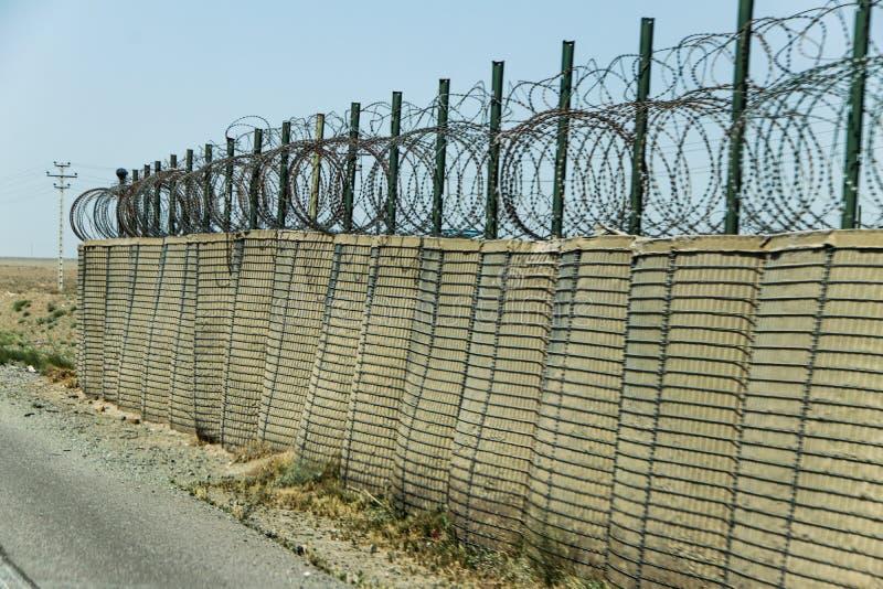 Avant-poste militaire de l'Afghanistan au milieu du désert photos libres de droits