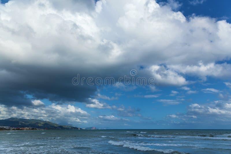 Avant venir d'orage photographie stock