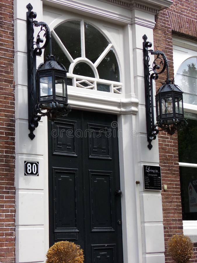 Avants des maisons néerlandaises - Amsterdam, Hollande, Pays-Bas photo stock