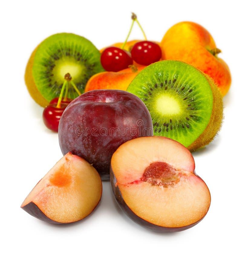 avbilda många fruktcloseupen arkivfoto