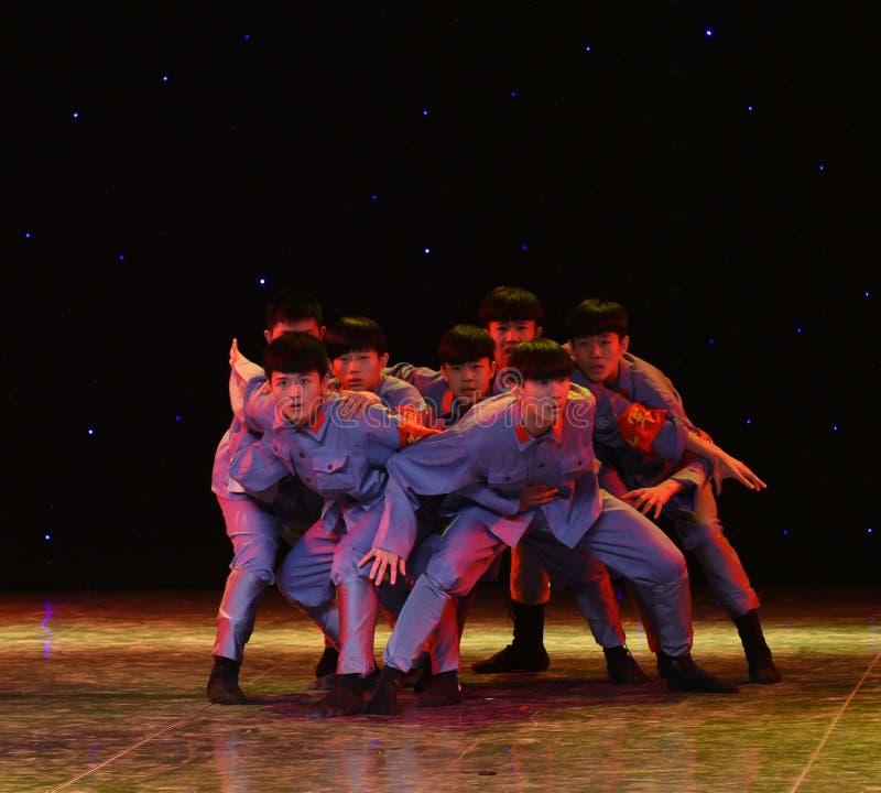 Avbrott-Kina för lång marsch för spaningar- etnisk dans arkivfoton