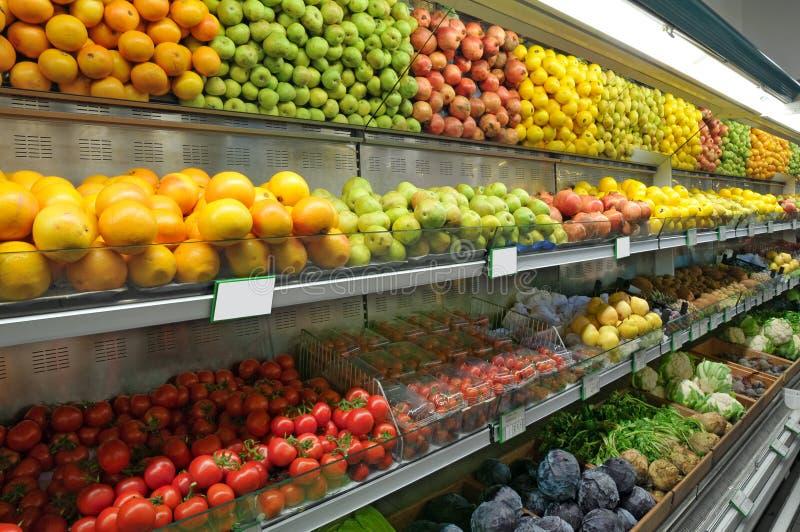 avdelningsmatsupermarket royaltyfria foton