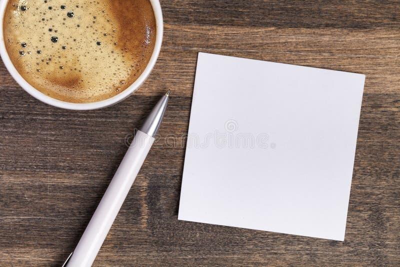 Avec la tasse de matin de café photo libre de droits