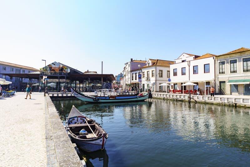 Aveiro/Portugal 13 Augustus, 2017 Kanaal met de geroepen boten royalty-vrije stock foto's