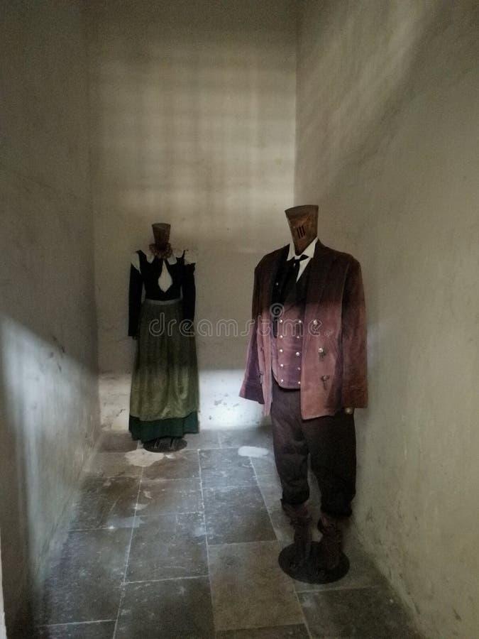 Avellino - cellule de l'isolement de l'ancienne prison de Bourbon photo stock