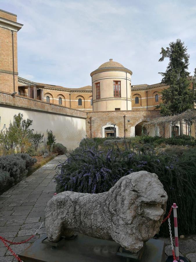 Avellino - leão na pedra fotografia de stock royalty free