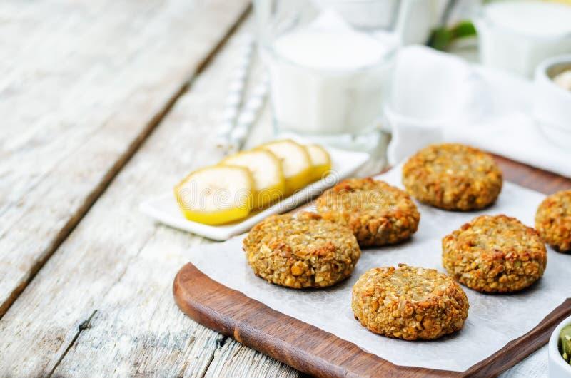 Avena zucca e biscotti della banana dei semi di girasole Senza glutine fotografia stock