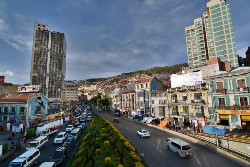 Avenida佩雷斯Velasco 拉巴斯 流星锤 免版税库存图片